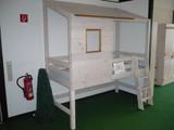 Kojenbett Spielbett Hochbett Kinderzimmer Kiefer massiv weiss laugenfarbig