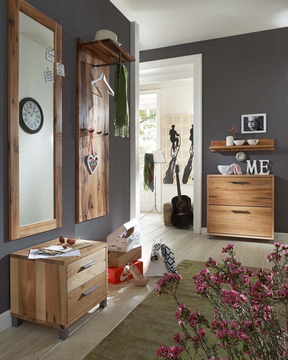 garderobenset flur kombi garderobe eiche massiv balkeneiche rustikal wuchsrisse flur garderobe. Black Bedroom Furniture Sets. Home Design Ideas