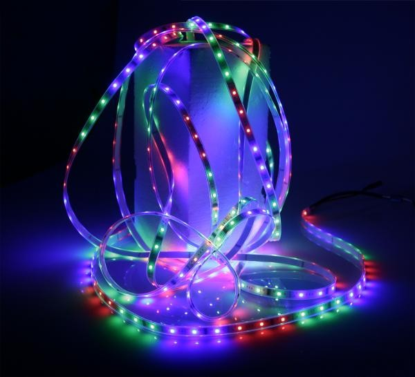 LED-RGB-Stripe mit tollen Farben und 94 Effekten