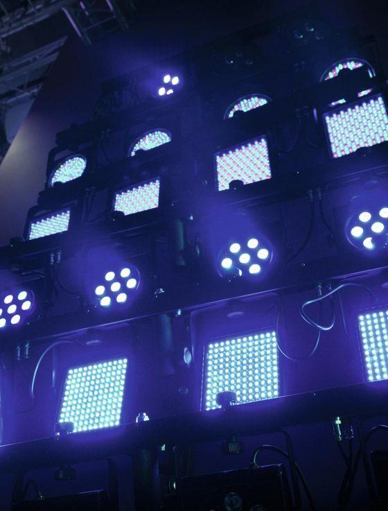 EUROLITE LED KLS-200 Kompakt-Lichtset DMX-LED-Scheinwerferset mit RGB-LEDs für mobilen Einsatz – Bild 5