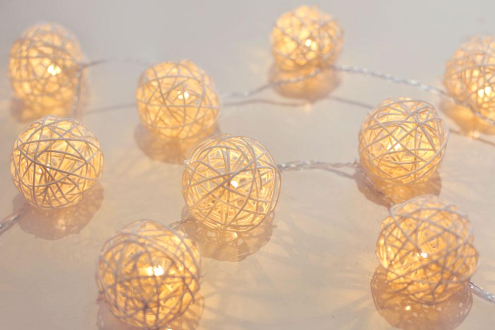 20x led lichterkette rattankugeln wei l nge 220 cm venuto lampen m bel m bel - Lichterkette rattankugeln ...