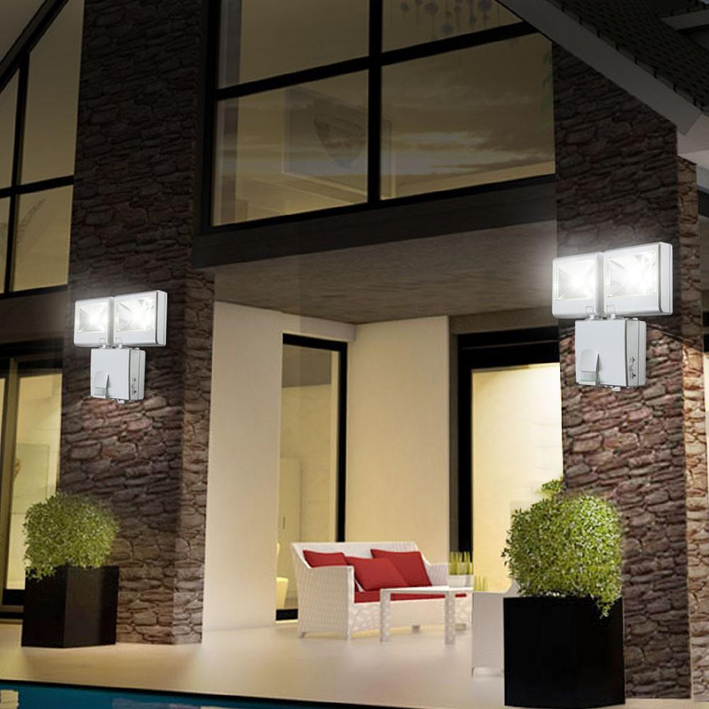 led spot leuchte mit bewegungsmelder au en lampe garage weg haus einbruch schutz ebay. Black Bedroom Furniture Sets. Home Design Ideas