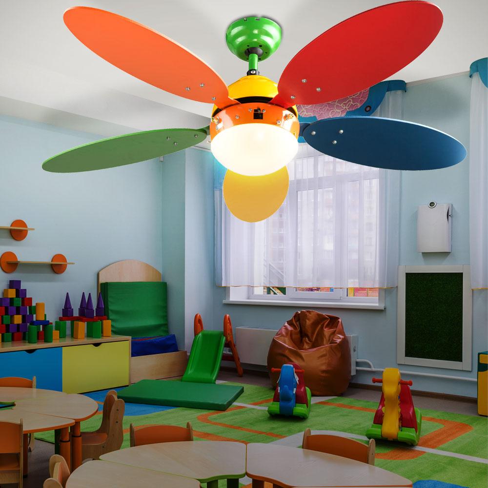 set aus bunten kinder m beln mit deckenventilator unsichtbar lampen m bel wohnen ventilatoren. Black Bedroom Furniture Sets. Home Design Ideas
