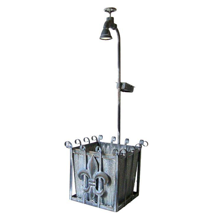 Pflanzkasten mit Deko-Wasserhahn und LED Solarbeleuchtung – Bild 1