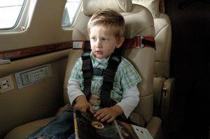 CARES Kinder fliegen sicher – Bild 3