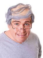 Halbglatze mit grauem Haar 001
