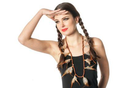 Indianer Halsschmuck mit braunen Perlen und Federn