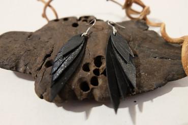 JONNEYGOLD - FREAKY FEATHER EARRINGS - BLACK