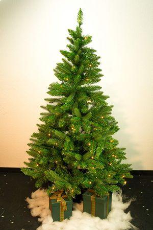 PE/PVC-Weihnachtsbaum 150 cm, mit Beleuchtung, 100 – Bild 2