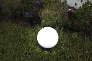 LED-Solar-Kugel,weiss, ca.15 cm Ø, – Bild 2