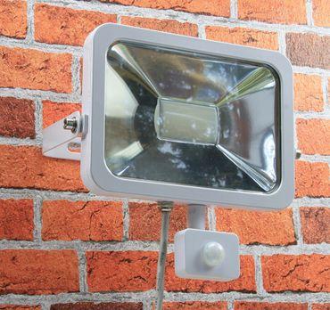 "LED-Fluter SlimLine ""CTF-SL50 PIR"" weiß – Bild 2"