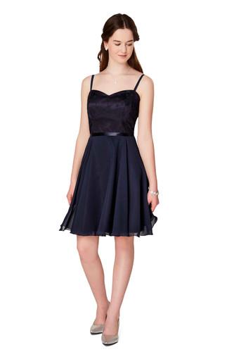 Weise Mädelz Chiffon Kleid mit Sternenspitze