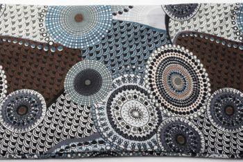 styleBREAKER Feinstrick Loop Schlauchschal mit Ethno Punkte African Style Muster, Schal, Damen 01017042 – Bild 4