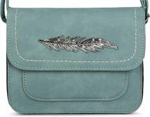 styleBREAKER kleine Umhängetasche mit Feder Applikation am Überschlag, Schultertasche, Tasche, Damen 02012151 – Bild 7