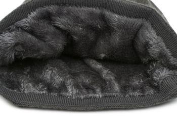 styleBREAKER warme Feinstrick Beanie Mütze mit glitzerndem Metallic Sterne Print, Fleece Innenfutter, Slouch Longbeanie, Damen 04024125 – Bild 18