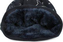 styleBREAKER warme Feinstrick Beanie Mütze mit glitzerndem Metallic Sterne Print, Fleece Innenfutter, Slouch Longbeanie, Damen 04024125 – Bild 19