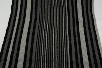 styleBREAKER Feinstrick Herren Schal im Streifen Look, Strickschal mit Fransen, weich und warm 01018117 – Bild 34