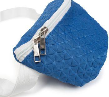 styleBREAKER Damen Bauchtasche geometrisches Muster geprägte Optik, Reißverschluss, Gürteltasche, Hüfttasche 02012253 – Bild 2
