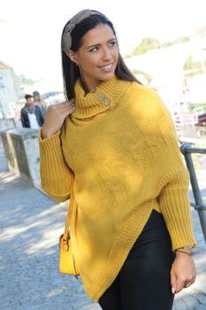 styleBREAKER Damen Feinstrick Poncho mit Zopfmuster und Ärmeln, Schalkragen 08010055 – Bild 11