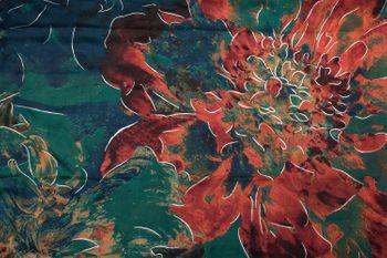 styleBREAKER Damen Schal mit Metallic Blumen Muster und Fransen, Stola, Tuch 01017094 – Bild 21