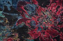 styleBREAKER Damen Schal mit Metallic Blumen Muster und Fransen, Stola, Tuch 01017094 – Bild 15