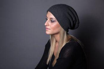styleBREAKER Beanie Mütze, Slouch, überlange Strickmütze, doppelt gestrickt, warm, Unisex 04024004 – Bild 12