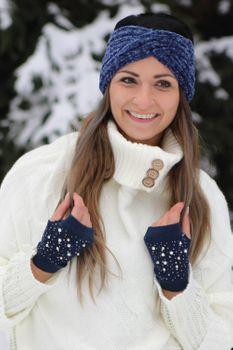 styleBREAKER Damen Fingerlose Strick Handschuhe mit Perlen und Strass, Winter Strickhandschuhe 09010016 – Bild 13
