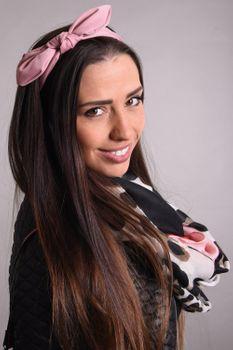 styleBREAKER Damen Haarband einfarbig mit Schleife und Gummizug, Stirnband, Headband, Pinup, Rockabilly, Haarschmuck 04026035 – Bild 11