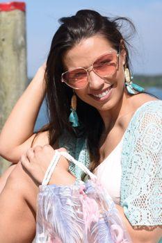 styleBREAKER Damen Cateye Sonnenbrille mit Glitzer Element, Metall Rahmen und Polycarbonat Gläser, Katzenaugen Form, Retro Look 09020104 – Bild 22
