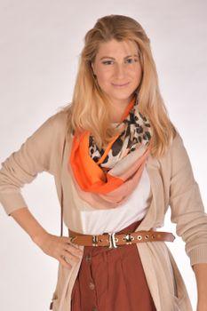 styleBREAKER Damen Loop Schal mit Leoparden Animal Print Muster und Color Blocking Farbflächen, Schlauchschal, Tuch 01016182