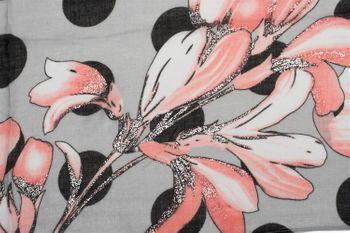 styleBREAKER Damen Schal mit Metallic Blumen Muster, Punkte und Fransen, Tuch 01016183 – Bild 4