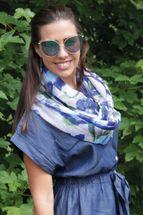 styleBREAKER Damen Loop Schal mit abstraktem Blumen Muster und Pailletten, Schlauchschal, Tuch 01016187 – Bild 21