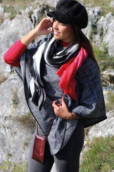 styleBREAKER Damen Handy Umhängetasche in Metallic, Schultertasche, Handy-Tragetasche, Mini Bag 02012307 – Bild 25