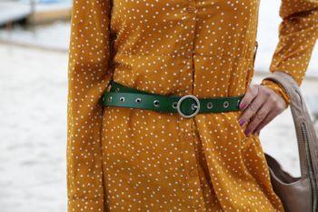 styleBREAKER Damen Leder Gürtel mit Nieten und glänzender Oberfläche, Echtleder, kürzbar 03010103 – Bild 29