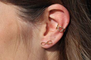 styleBREAKER Damen breiter Ear Cuff Klemm Ohrring mit Ringen und Strass, Ohrstecker, Ohrclip, Fake Piercing, Helix 05090021 – Bild 13