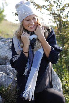 styleBREAKER Unisex weicher Karo Schal mit langen Fransen, kariert, Winter, Stola 01017110 – Bild 17