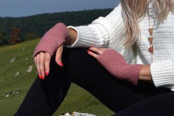 styleBREAKER Damen Touchscreen Stoff Handschuhe mit abnehmbaren Strick Stulpen, warme Fingerhandschuhe, Winter 09010022 – Bild 51