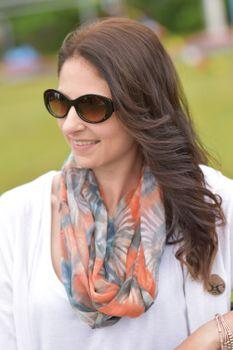 styleBREAKER Damen Butterfly Sonnenbrille mit breitem Kunststoff Rahmen und ovalen Polycarbonat Gläsern, Schmetterling, Retro Style 09020109 – Bild 11
