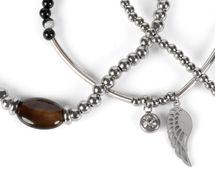 styleBREAKER Damen Edelstahl Perlen Armband 3er Set mit Flügel Charm und Schmuckstein, Gummizug, Armschmuck 05040177 – Bild 4