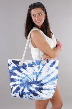styleBREAKER Damen XXL Strandtasche mit Batik Wirbel Muster Print, Reißverschluss, Schultertasche, Shopper 02012344 – Bild 6