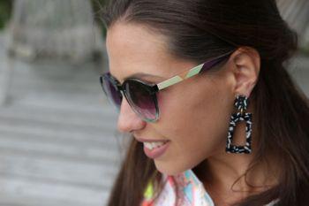 styleBREAKER Damen Sonnenbrille mit ovalen Gläsern, buntem Rahmen und Zacken Muster am Bügel 09020116 – Bild 23