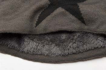 styleBREAKER warm and classic knit beanie hat with star and very soft lining, unisex 04024026 – Bild 2