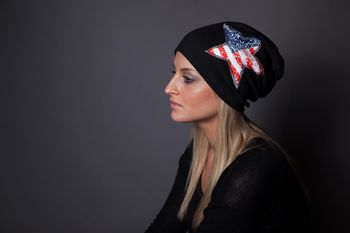 styleBREAKER Beanie Mütze mit USA Pailletten Stern Applikation, Stars and Stripes, Unisex 04024033 – Bild 9