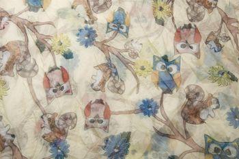 styleBREAKER Eulen, Eichhörnchen und Blumen Muster Loop Schlauchschal, Crash and Crinkle, seidig leicht, Damen 01016092 – Bild 16