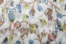 styleBREAKER Eulen, Eichhörnchen und Blumen Muster Loop Schlauchschal, Crash and Crinkle, seidig leicht, Damen 01016092 – Bild 10