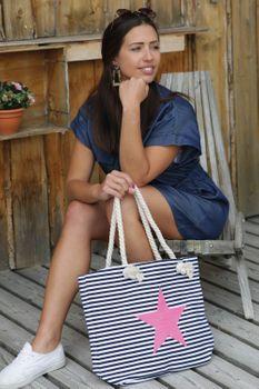 styleBREAKER Strandtasche in Streifen Optik mit Stern, Schultertasche, Shopper, Damen 02012037