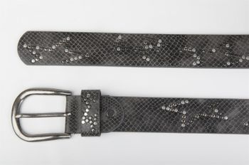 styleBREAKER studded belt with decent star rivet design and vintage look honeycomb embossing, can be cut to length on request, unisex 03010054 – Bild 21