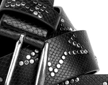 styleBREAKER studded belt with decent star rivet design and vintage look honeycomb embossing, can be cut to length on request, unisex 03010054 – Bild 8