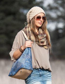 styleBREAKER warming braided pattern fine knit slouch beanie with an ultra soft fleece lining, unisex 04024058  – Bild 21