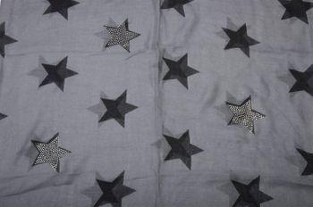 styleBREAKER Loop Schal mit Sterne Muster und edler Strass Applikation, Schlauchschal, Tuch, Damen 01018086 – Bild 20